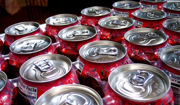soda-cans-100928-02