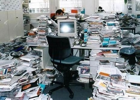 Severe-Workplace-Clutter